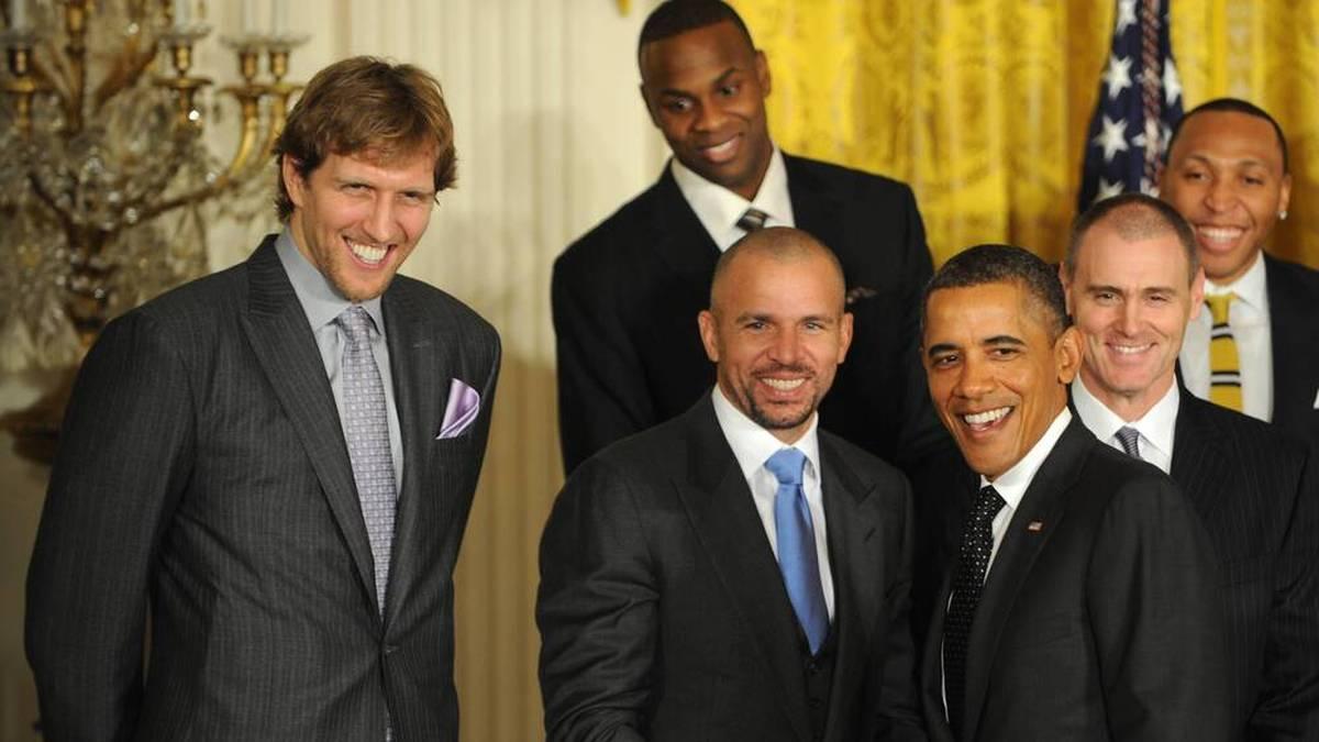 Jason Kidd (m.) ist neuer Trainer der Dallas Mavericks