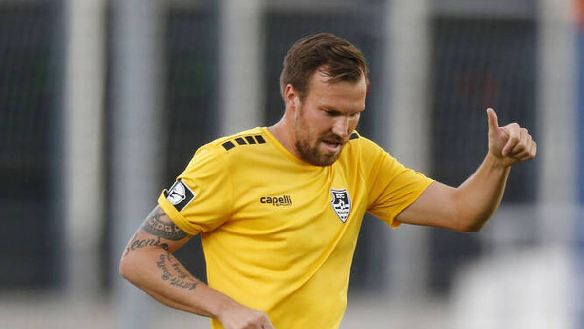 Einst war er selbst für den BVB aktiv, jetzt ist Kevin Großkreutz der vielleicht größte Fan. Nach dem Derbysieg feiert Großkreutz besonders Erling Haaland.