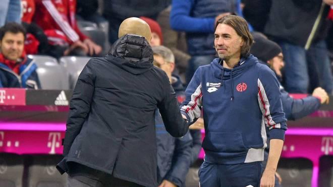 Pep Guardiola (l.) gratulierte Martin Schmidt zum Sieg des FSV Mainz 05 über den FC Bayern