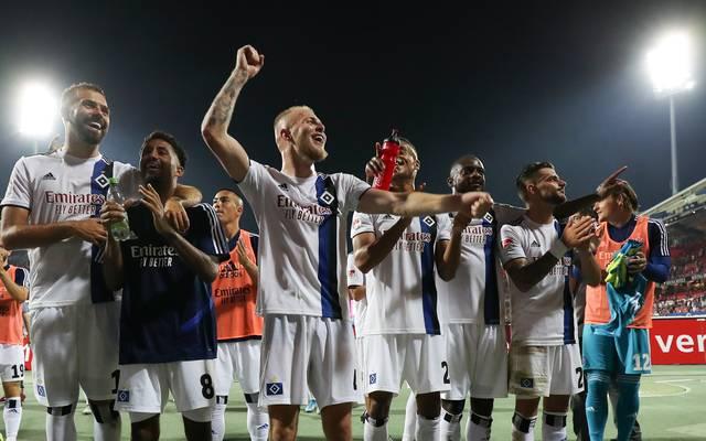1. FC Nuernberg v Hamburger SV - Second Bundesliga
