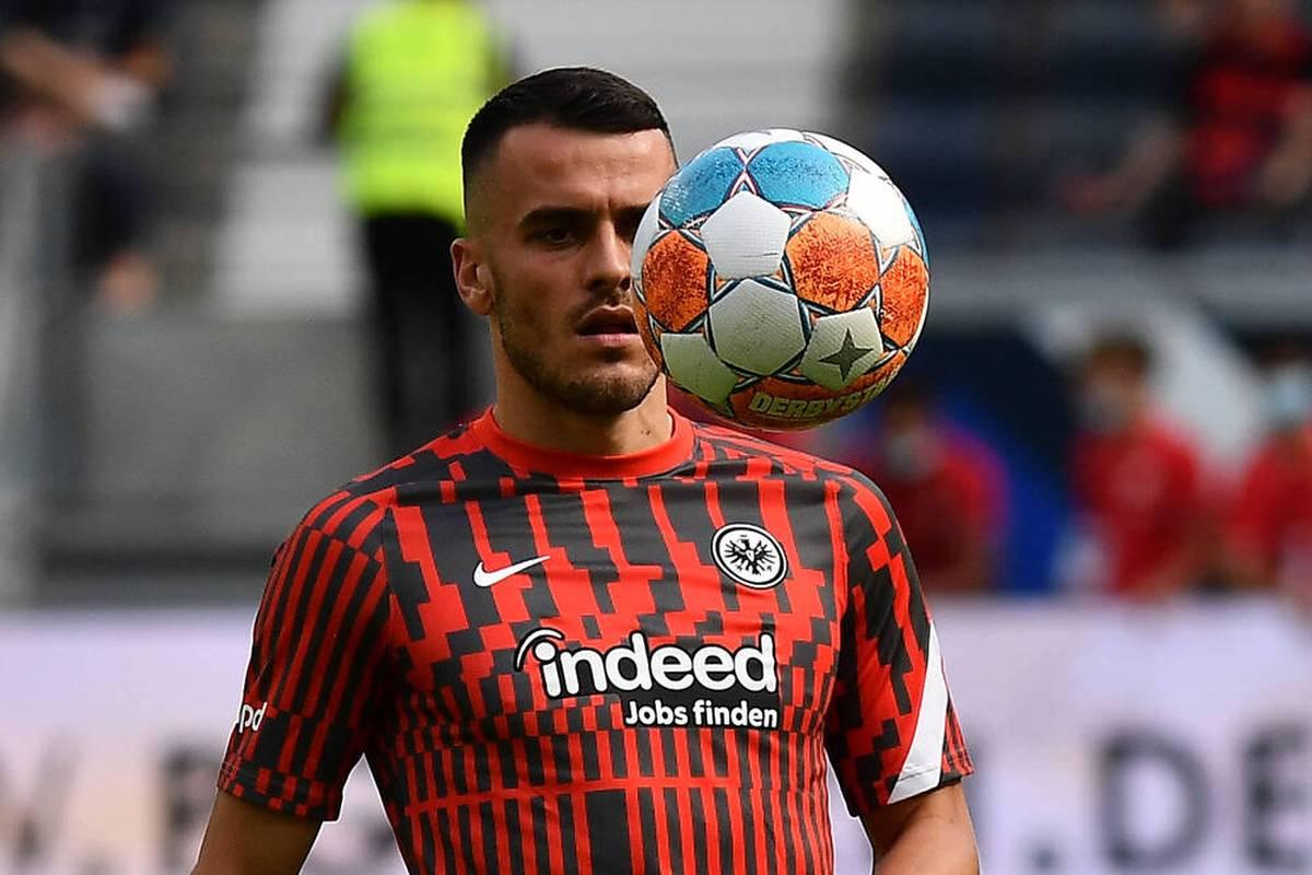 Filip Kostic hat bei Eintracht Frankfurt für viel Wirbel gesorgt. Im Hintergrund hat der Top-Star der Hessen jetzt aufgeräumt.