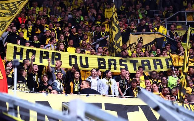 Bundesliga: DFB-Sportgericht verhandelt nach Hopp-Beleidigungen, Fans von Borussia Dortmund beleidigen TSG-Mäzen Dietmar Hopp auf einem Plakat
