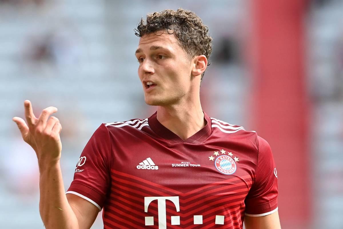Benjamin Pavard sieht sich vor allem in seiner Heimat Kritik ausgesetzt. Nun setzt sich der Bayern-Star zur Wehr und weist seine Kritiker zurecht.