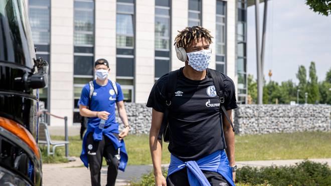 Jean-Clair Todibo war vergangene Saison vom FC Barcelona an Schalke ausgeliehen