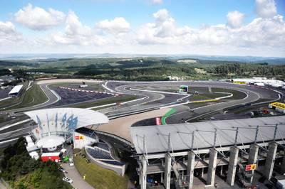 Der Nürburgring wurde 1927 eröffnet und zählt zu den anspruchsvollsten Rennstrecken der Welt. Die Rennstrecke ist zusätzlich bekannt für die berühmt berüchtigte Nordschleife.