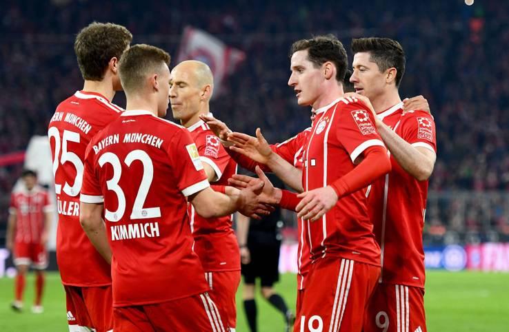 Mit einer Galavorstellung in der ersten Halbzeit hat der FC Bayern Borussia Dortmund aus der Allianz Arena geschossen. Das 6:0 (5:0) ist der höchste Münchner Sieg über den BVB seit dem 11:1 im Jahre 1971. Die Bayern in der SPORT1-Einzelkritik.