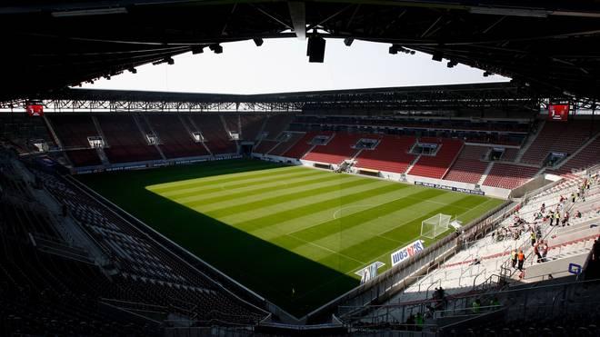 Die Impuls Arena 2009 vor einem Spiel gegen TuS Koblenz
