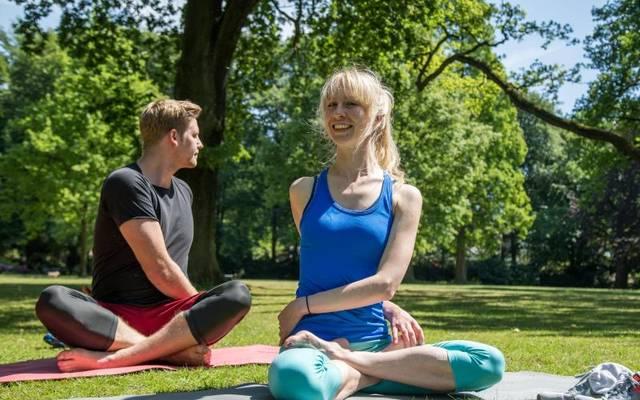 Yoga ist sehr beliebt - angesichts des breiten Angebots an Yogastilen ist die Wahl für Einsteiger aber oft schwierig