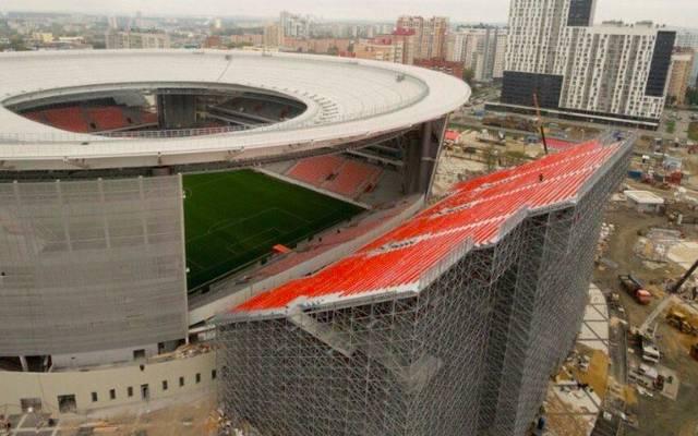 So sieht eine der beiden Tribünen aus, die im Stadion von Jekaterinburg zusätzlich installiert werden