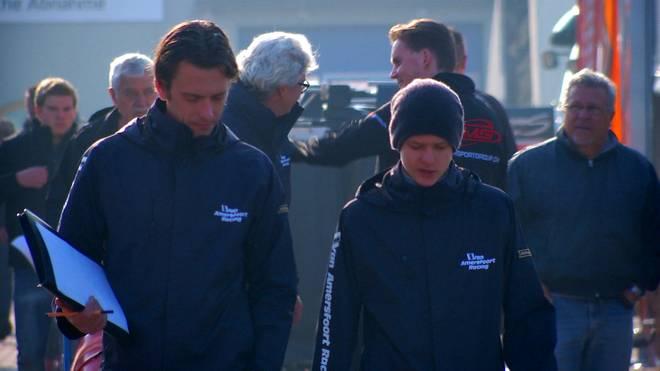 Mick Schumacher (r.) schottet sich im Fahrerlager weitgehend ab