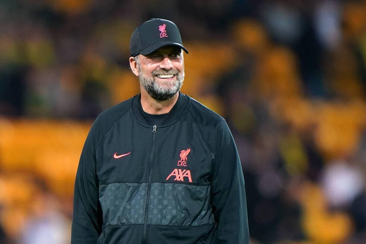 Die Premier League will eine Rückkehr der Stehplätze testen. Liverpool-Trainer Klopp begrüßt diese Idee.