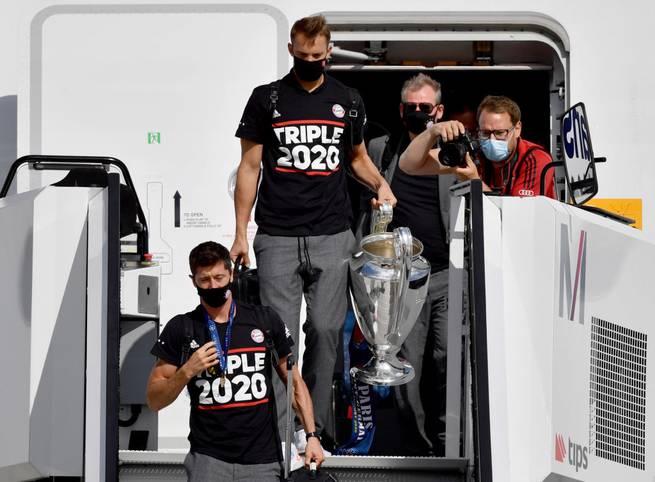 Der FC Bayern bringt den Henkelpott nach München.