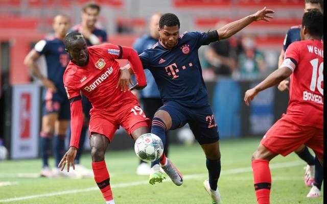 Bayern München (r.: Serge Gnabry) eilt seit dem Re-Start von Sieg zu Sieg