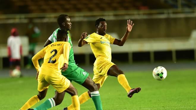 Die Nationalspieler von Tansania (in gelb) haben ein ganz besonderes Geschenk bekommen