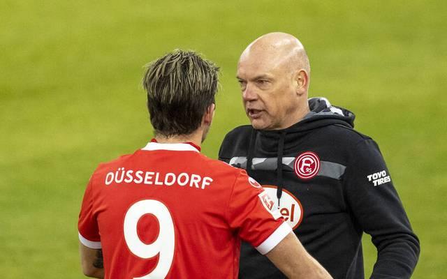 Uwe Rösler (r.) steht bei Düsseldorf ein wenig unter Druck