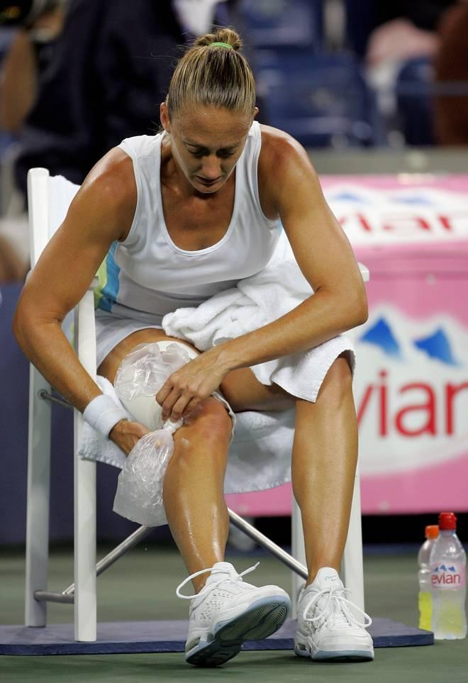 US Open Mary Pierce Mary Pierce kühlt ihren Oberschenkel bei den US Open 2005