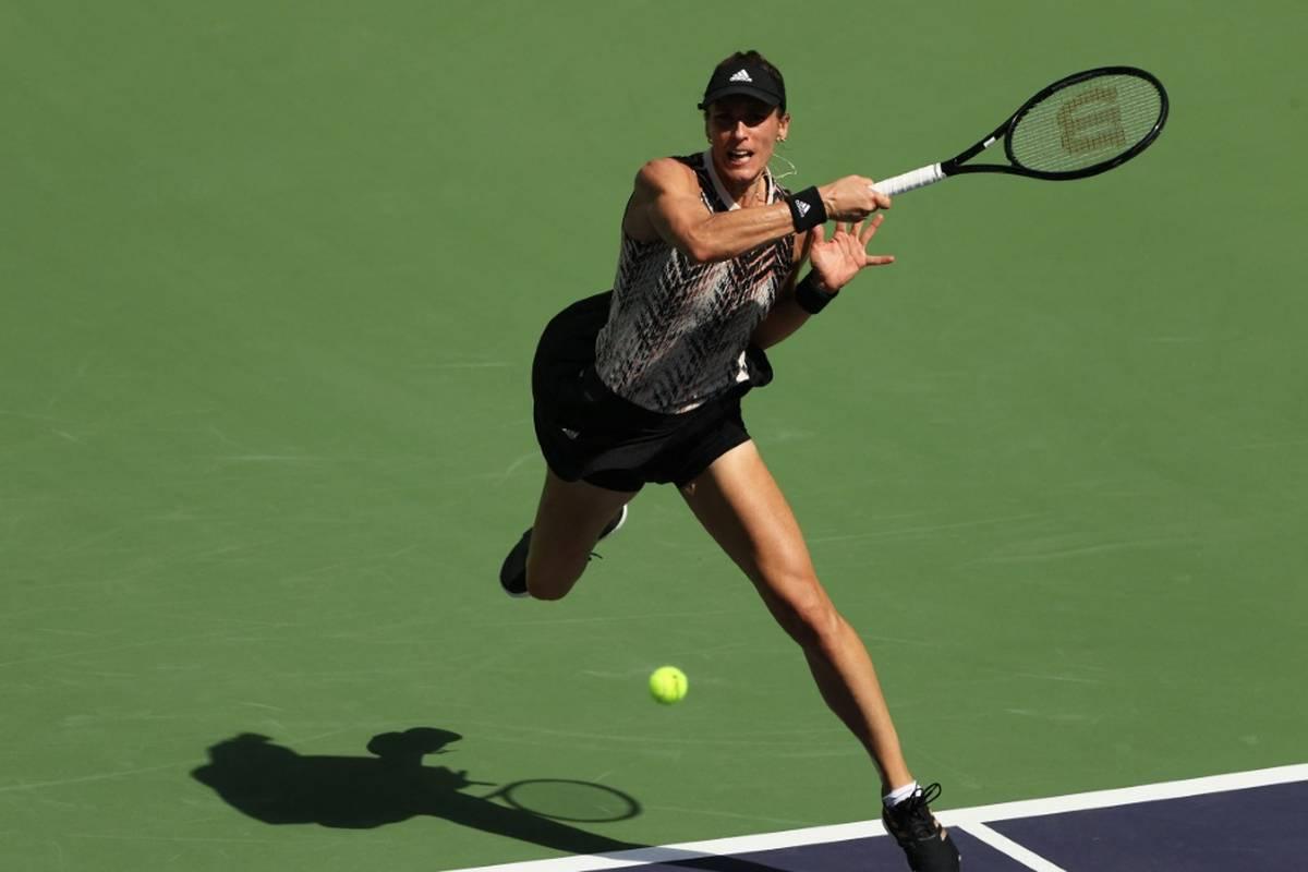 Andrea Petkovic erreicht beim Turnier in Moskau das Achtelfinale - allerdings durch die Aufgabe ihrer Gegnerin und French-Open-Siegerin Ostapenko.