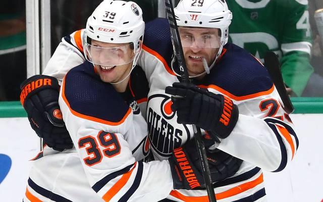 Leon Draisaitl (r.) ist der Hoffnungsträger der Edmonton Oilers