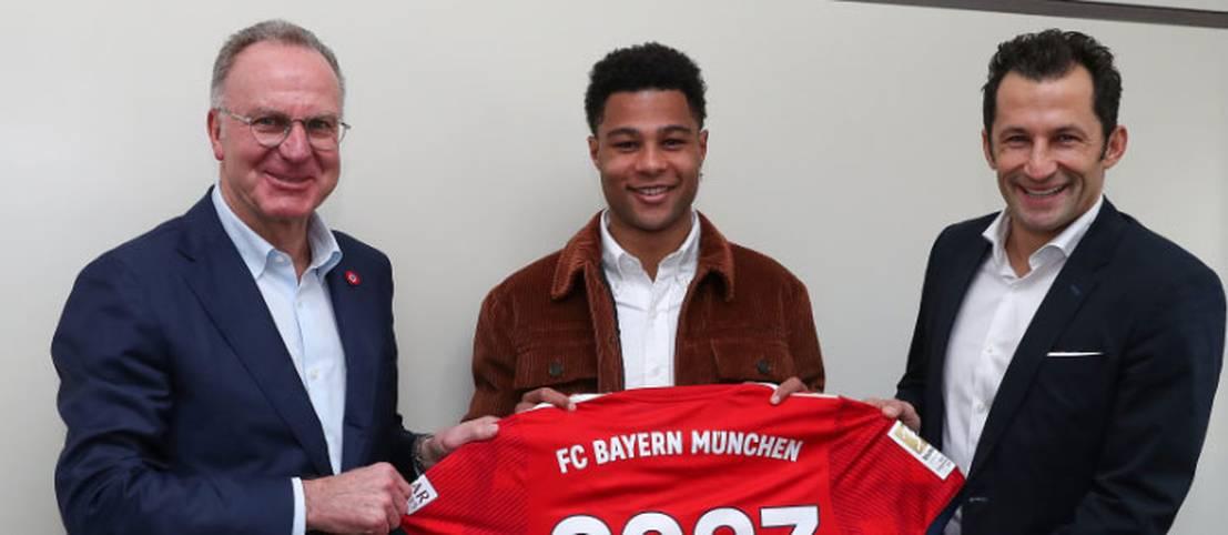 Der FC Bayern bindet Serge Gnabry langfristig. Der 23-Jährige verlängert seinen bis 2020 laufenden Vertrag um drei weitere Jahre und soll in den kommenden Spielzeiten eine wichtige Säule des Rekordmeisters sein