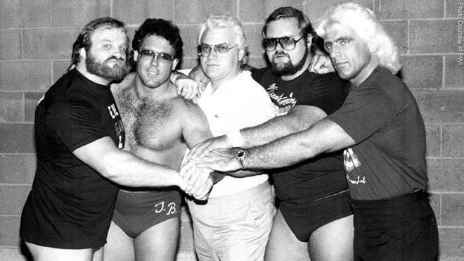 Die originalen Four Horsemen: Ole Anderson, Tully Blanchard, Manager JJ Dillon, Arn Anderson, Ric Flair (v.l.)