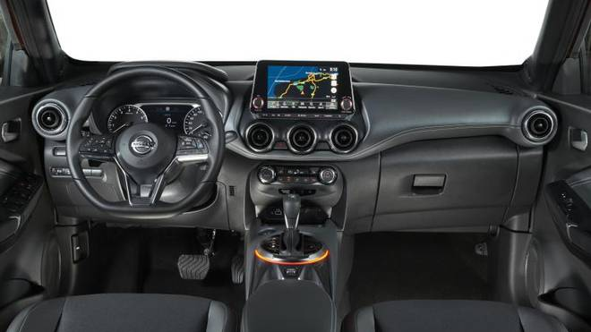 Zur Bord-Elektronik des neuen Nissan Juke gehört ein großer Touchscreen und eine Kameraüberwachung