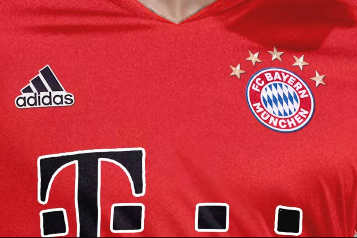 Im Internet ist ein Leak zum neuen Trikot des FC Bayern München aufgetaucht. Bei den Logos könnte es eine entscheidende Veränderung geben.