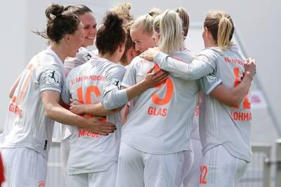 Der FC Bayern gewinnt auch am zweiten Spieltag der Frauen-Bundesliga souverän. Beim SC Sand bleibt der Meister erneut ohne Gegentreffer.