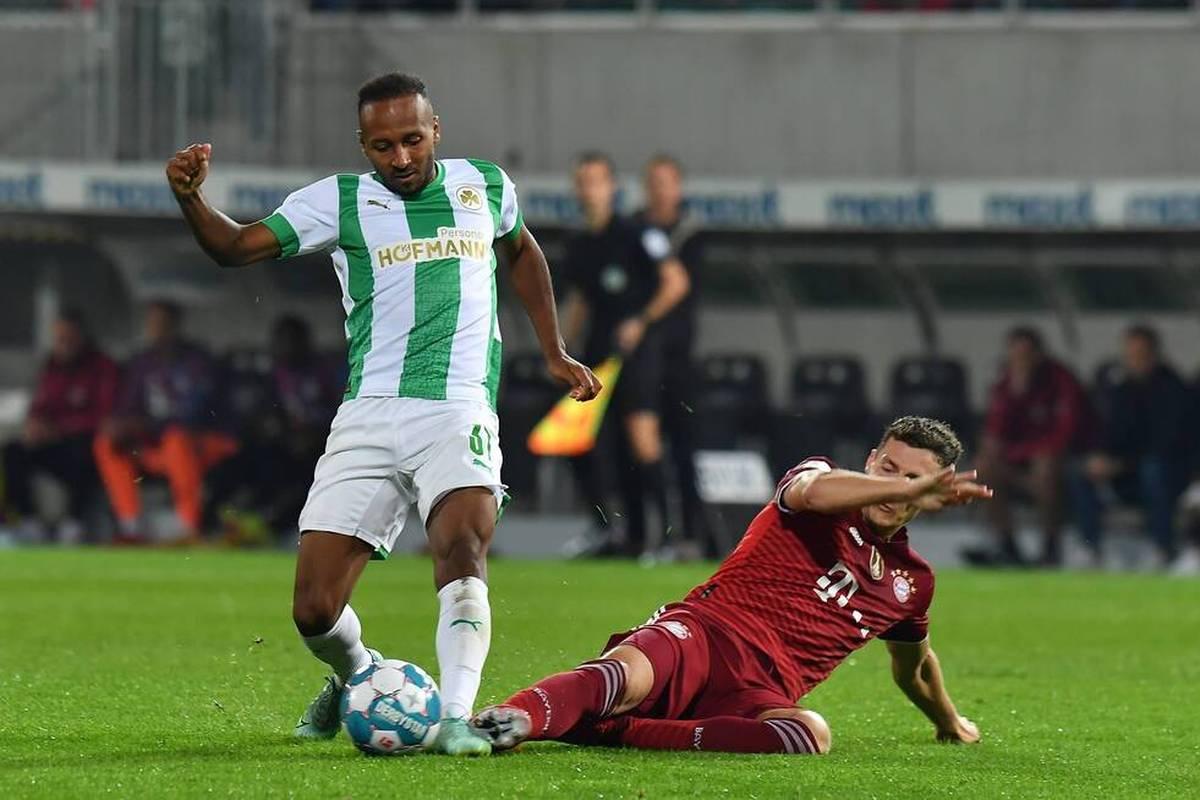Bayern München muss in den Bundesliga-Spielen gegen Eintracht Frankfurt am Sonntag und bei Bayer Leverkusen auf Benjamin Pavard verzichten.