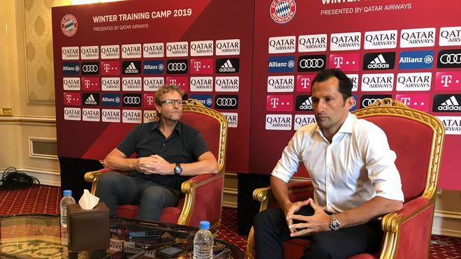 Sportdirektor Hasan Salihamidzic verkündete in Doha den Transfer von Benjamin Pavard