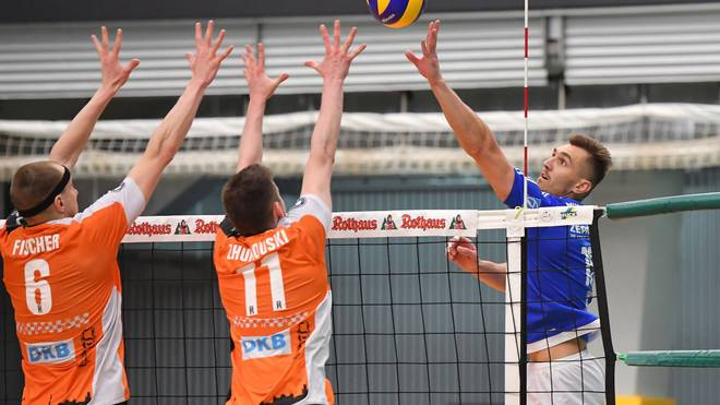 FRIEDRICHSHAFEN, GERMANY - MAY 07: Armin Mustedanovic of VFB Friedrichshafen in action during the Volleyball final playoff match 3 between VFB Friedrichshafen and Berlin Recycling Volleys at ZF Arena on May 7, 2017 in Friedrichshafen, Germany. (Photo by Sebastian Widmann/Bongarts/Getty Images)