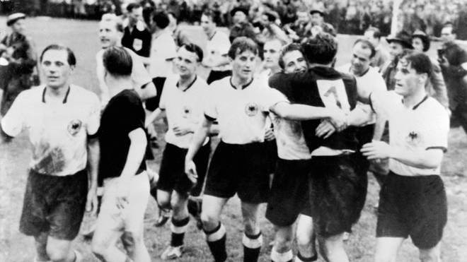 Die deutsche Nationalmannschaft wurde 1954 in Bern Weltmeister