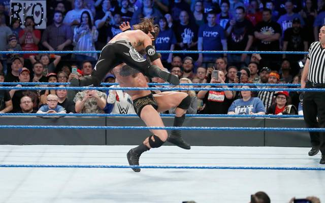 Randy Orton (u.) kämpfte mit AJ Styles um das Titelmatch bei WrestleMania 33