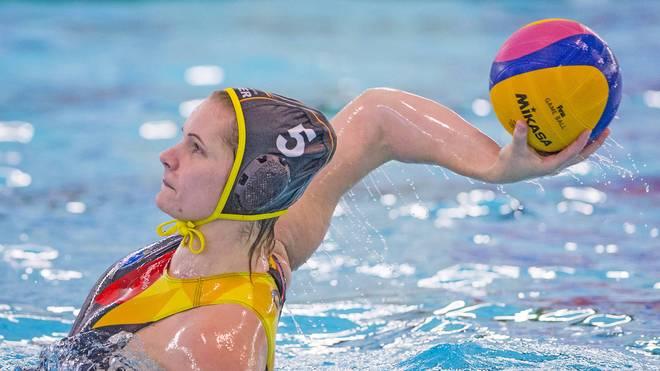 Die deutschen Wasserball-Frauen kassieren eine heftige Klatsche
