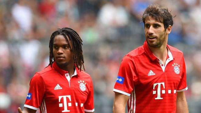 Bayerns Neuzugang Renato Sanches (l.) trainiert wieder mit dem Ball