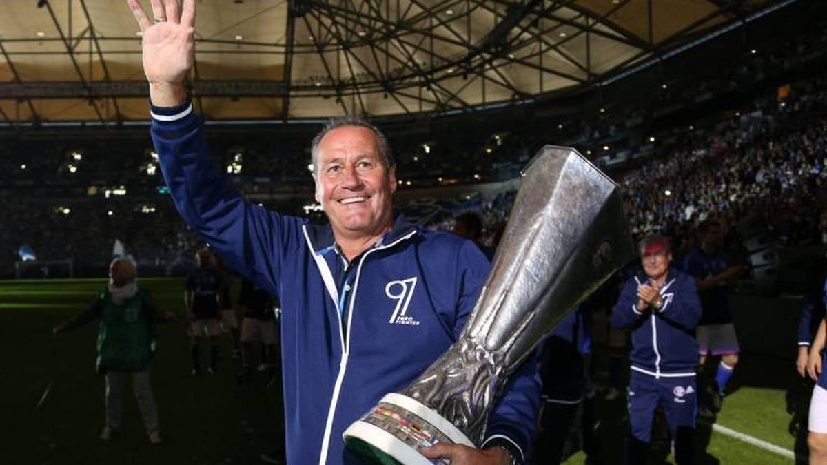 Huub Stevens übernimmt Schalke nun schon zum vierten Mal