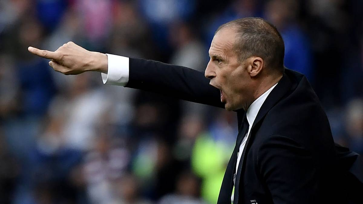 Juventus' coach Massimiliano Allegri gestures during the Italian Serie A football match Sampdoria vs Juventus Turin on May 26, 2019 at the 'Luigi Ferraris' in Genoa. (Photo by MARCO BERTORELLO / AFP)        (Photo credit should read MARCO BERTORELLO/AFP via Getty Images)