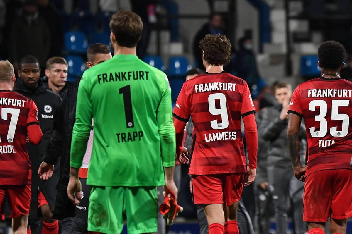 Der VfL Bochum hat Eintracht Frankfurt im direkten Duell tabellarisch überholt. Der Saisonstart in der Bundesliga ist missglückt. Und die Lage birgt einige Gefahren.
