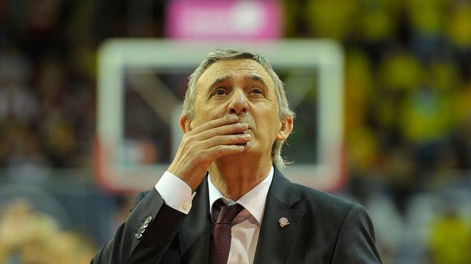 Svetislav Pesic, head coach of FC Bayern Muenchen looks on during halftime of the Beko BBL TOP FOUR Final match between FC Bayern Muenchen and ALBA Berlin at Audi-Dome on February 21, 2016 in Munich, Germany.  (Photo by Lennart Preiss/Bongarts/Getty Images)