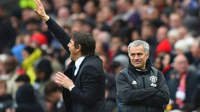 Jose Mourinho (r.) hat im Streit mit Antonio Conte nachgelegt