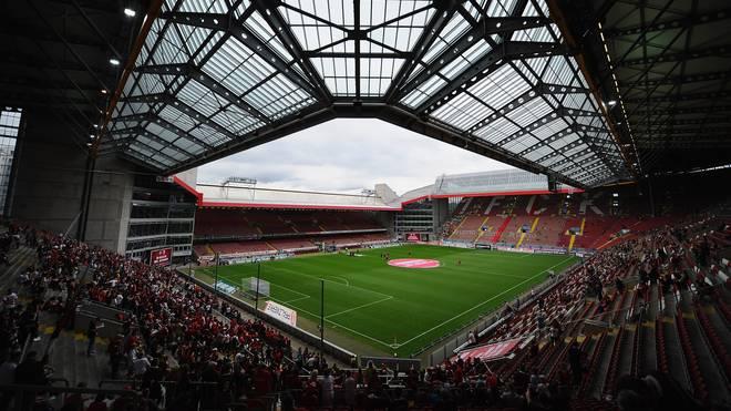 """SPORT1 zeigt sowohl das """"Retterspiel"""" des FC Bayern in Kaiserslautern als auch das Legendenspiel bei Manchester United"""