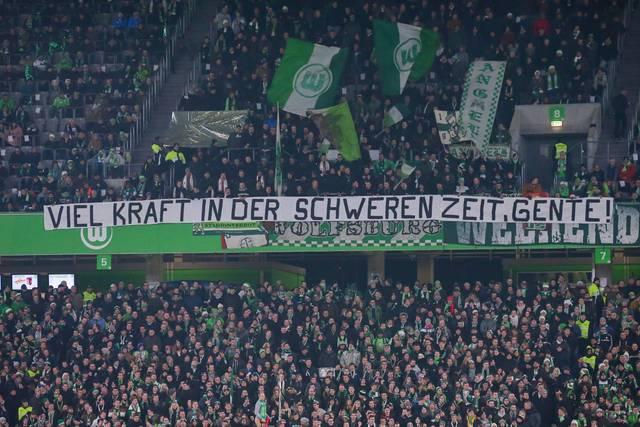 Wolfsburgs Fans wünschen Christian Gentner alles Gute