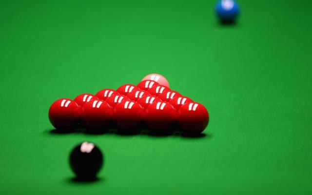World Snooker Championship - Day Seventeen Snooker ist ein Punkte- und Ansagespiel, bei dem es um Geschicklichkeit geht. Das Regelwerk ist sehr genau definiert