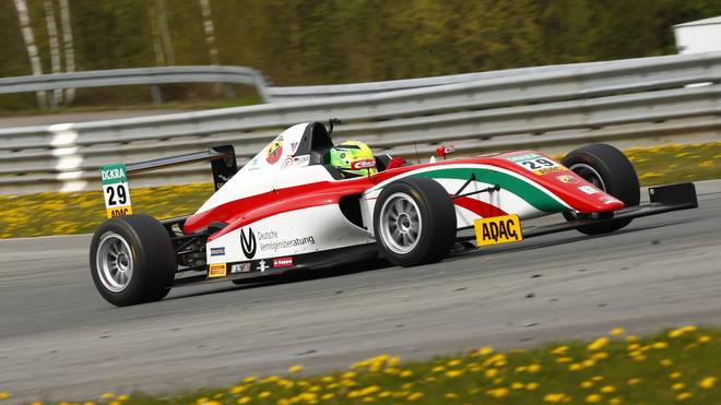 Mick Schumacher feiert seinen dritten Saisonsieg in der italienischen Formel 4