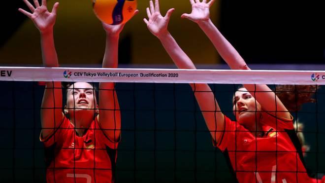 Die deutschen Volleyballerinnen haben sich als Gruppensieger für das Halbfinale qualifiziert