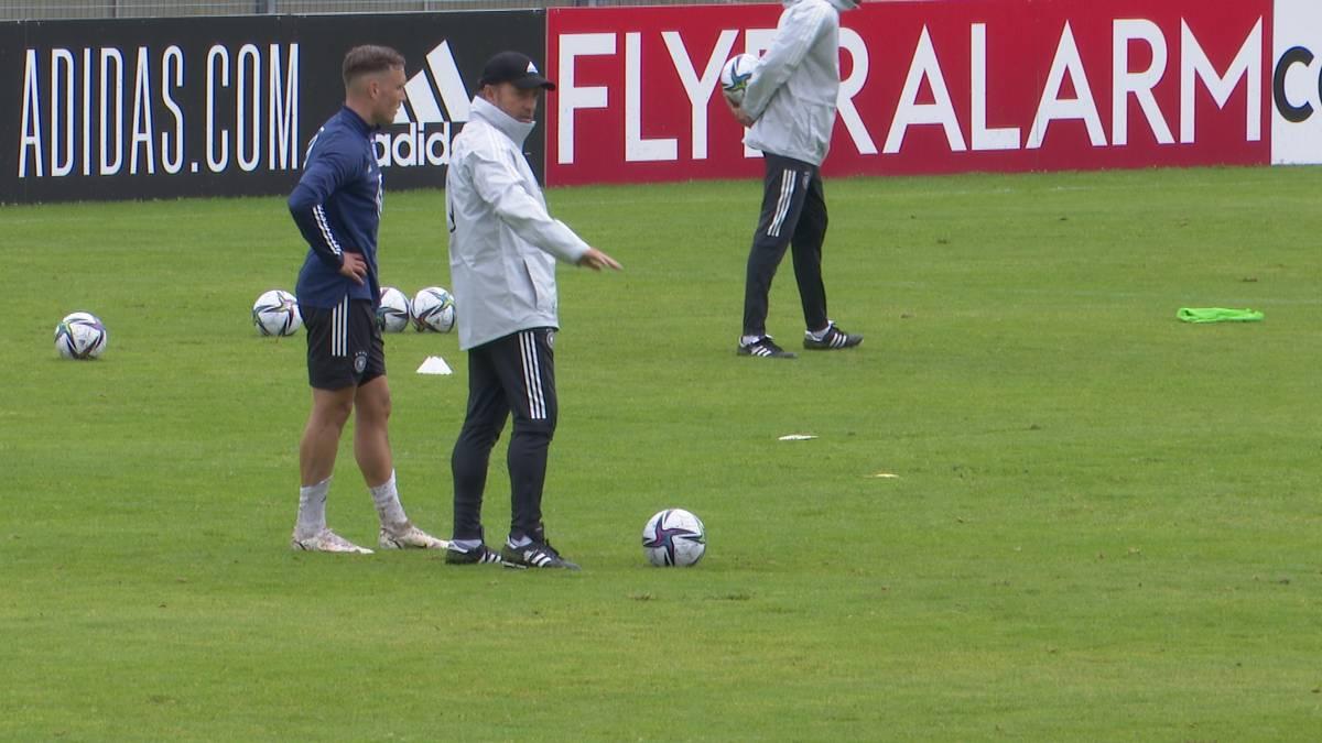 Hansi Flick hat zum ersten Training gebeten. So lief die erste Einheit unter dem neuen Bundestrainer.
