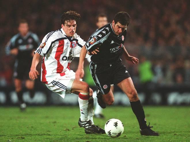 St.- Pauli gewinnt gegen Bayern 2002: Thomas Meggle gegen Owen Hargreaves