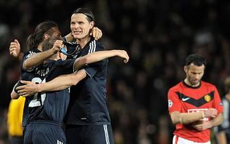 2:3! Die Münchner verlieren zwar im Old Trafford, für den Halbfinaleinzug reicht das Tor des Niederländers aber