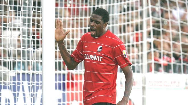 Mohamadou Idrissou spielte in Deutschland unter anderem für den SC Freiburg