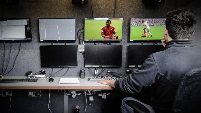 Videobeweis FC Bayern München FC Augsburg Elfmeter Schiedsrichter