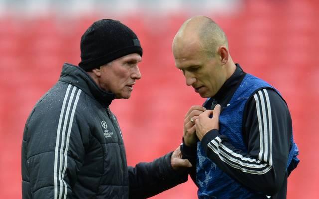Trainer Jupp Heynckes (l.) konnte sich schon zum Saisonfinale 2013 auf Arjen Robbens Qualitäten verlassen